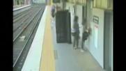 ИЗОБРЕТАТЕЛНОСТ: Да пренесеш хладилник и диван… с влак