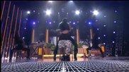На живо Nicki танцува в скута на Lil Wayne - Nicki Minaj ft Lil Wayne - High School at Bma 2013
