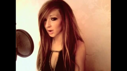Красавица страда от тежка болест, не е излизала от дома си 3 години, но е интернет звезда