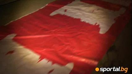 Дучето разпъна 30 - метра знаме Армейци в София