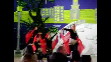 Концерт* Турски танц в изпълнение на 8б клас 49 оу (2008 - 2009)