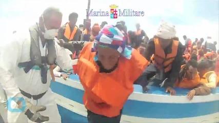 German Navy Rescues 430 Refugees in Mediterranean