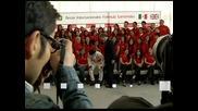 "Пилотът на ""Макларън"" Серхио Перес награди талантливи студенти в Мексико"