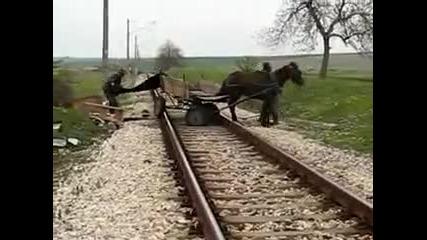 Цигани пречат на влак близо до гр. Меричлери