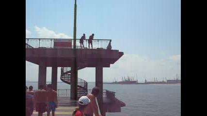Глава от вторият етаж на моста в Бургас