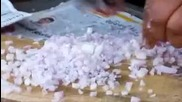 Професионално рязане на лук