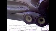 Една лудо тунингована Honda Prelude и малко аудио озвучение