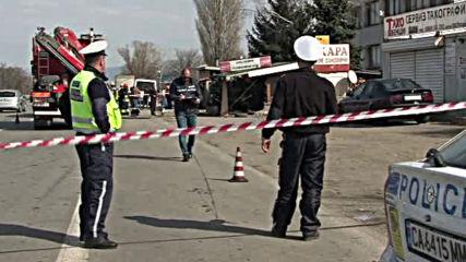 Кола се вряза в заведение на Околовръстния път в София, двама загинаха