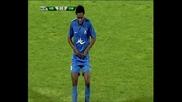 Радостта на Юлу-матондо след гола срещу Сливен