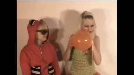 Kiki And Dakota - Oompa Loompa Lungs