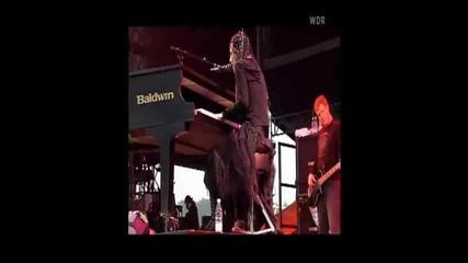 evanescence - 08 - breathe no more (live at rock am ring 2004) - svcd - [c]oma - lbvidz