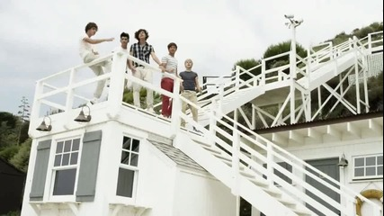 * Любима!!! One Direction - What Makes You Beautiful*