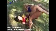 2 мажоретки се бият яко