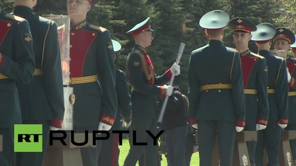 Russia: Eternal Flame relay begins in Moscow as part of V-day celebrations