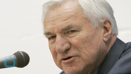 The Late Dean Smith Sends Beautiful Final Gesture to His Former UNC Players