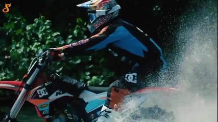 Страхотно приспособление за каране по вода с мотор.
