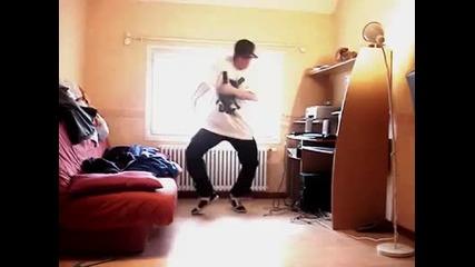 Кой каза че да танцуваш дъбстеп е грозно ?