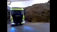 Scania downclimb