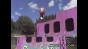 Невероятни Скоци На Батут (яко)