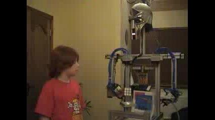 Робот Решаващ Кубчето На Рубик