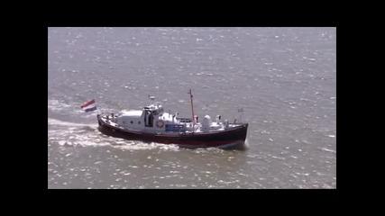 Екстремни плаващи къщи 2 ( Бг Аудио )