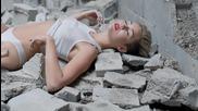 Официанло видео! Miley Cyrus - Wrecking Ball