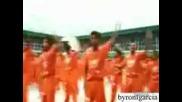 Затворници Танцуват Яко На Crank Dat Soulja Boy & Mc Hummer