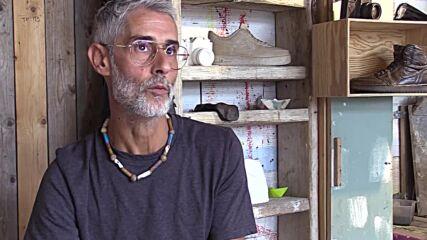 Sicilian master revives wildfire-burnt wood in impressive sculpture