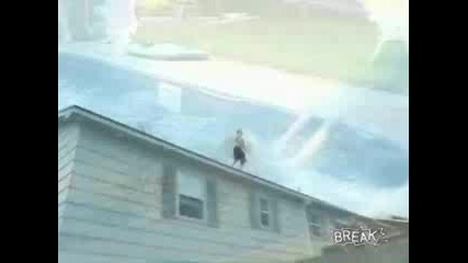 Луд Гейнер От Покрив На Къща в Басейн!!!(гледайте!!!)