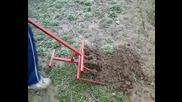 Революционна лопата за копаене