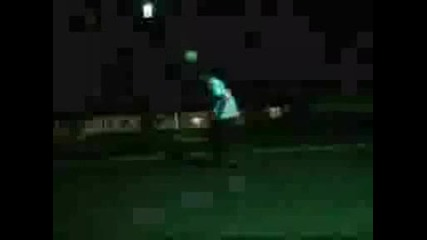 Най - Добрите Freestyle Трикове (футбол)
