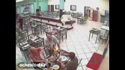 Убиват човек в Ресторант