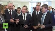 Медведев се срещна с роботи в Московския технически институт