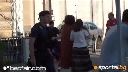 Румънски полицай пребива фен на Цска