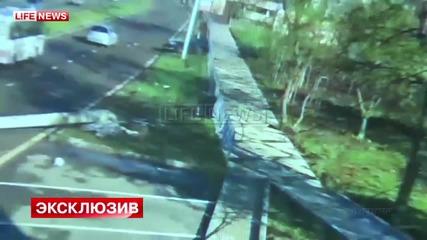 Футболистът Андрей Ещенко с Nissan GT-R се блъска в стълб със 170км/ч и остава невредим