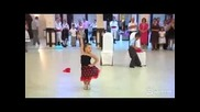 Интересен танц с малки деца