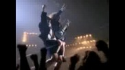 Любе vs. AC/DC