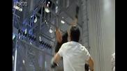Джеки Чан срещу Брад Алън