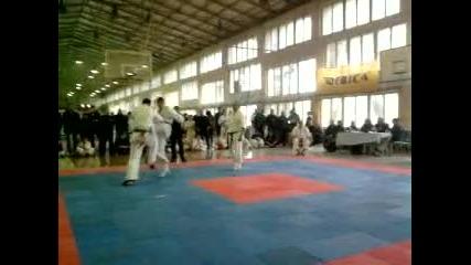 Kyokushin Георги Йорданов vs Ивелин Тодоров 29.10.2011 Зона Север