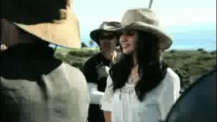 Selena Gomez - Vevo Stylized