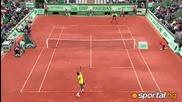 Роджър Федерер успя да се класира за полуфинала на Ролан Гарос след пет сетова победа над Дел Потро