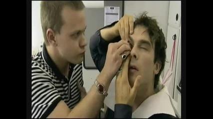 Как слагат лещите на Damon