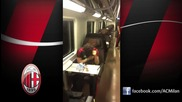 Пато, Робиньо и Тиаго Силва пеят и танцуват във влака