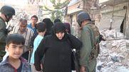 Syria: Refugees leave Aleppo through humanitarian corridor