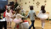 """Децата от детската градина на """"ЕСПА"""" представят Коледа в гората"""