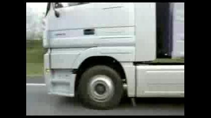 Реклама Камион Мерцедес