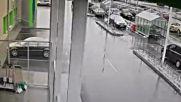 Хлапета чупят огледало на БМВ в Бургас