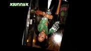 Папарашки Снимчици на Риана със Зелено Шалче :]