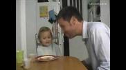 Баща Прави Луд Номер На Дъщеря Си!