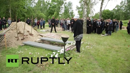 Germany: Activist group buries victims of migrant crossings in Berlin